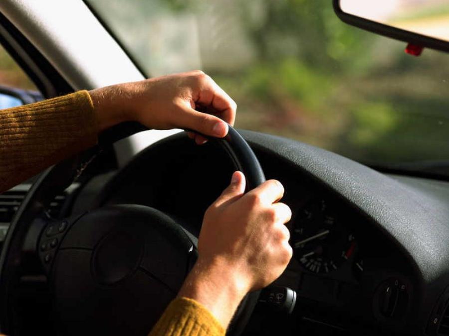 Запорожские патрульные задержали водителя с фальшивыми правами - ФОТО