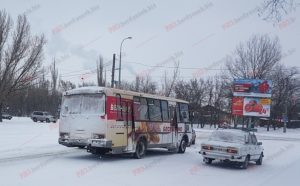 В Запорожской области автобус с пассажирами попал в ДТП на перекрестке - ФОТО