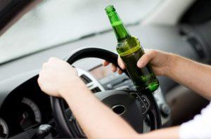 В Запорожье пьяная женщина за рулем набросилась на патрульную со словами: «Я мастер спорта, а ты кто такая?» - ВИДЕО