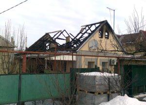 В Шевченковском районе Запорожья сгорела крыша жилого дома - ФОТО
