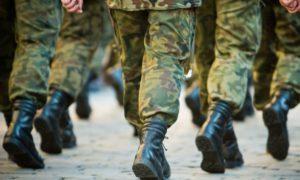 Ряды военных-контрактников за 2017 год пополнили почти 2 тысячи запорожцев