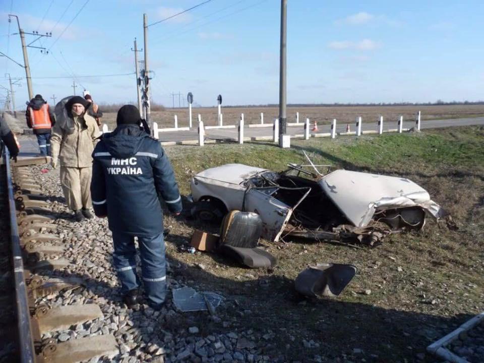 ВЗапорожской области поезд столкнулся сВАЗ