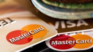 Нацбанк предупредил украинцев о карточных мошенниках