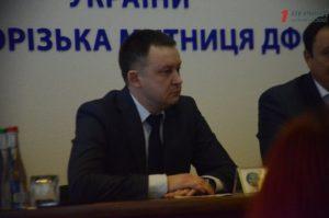 Главному таможеннику Запорожья удалось восстановиться в должности потому, что он не появлялся на работе только 150 дней