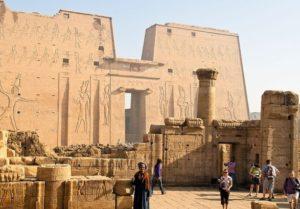 В Египте археологи раскопали древнюю