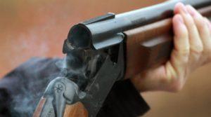 Запорожец в новогоднюю ночь открыл на детской площадке стрельбу из автомата