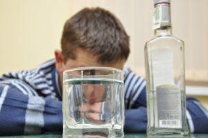 В Запорожской области школьник едва не впал в алкогольную кому