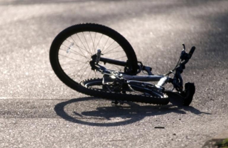 В Запорожской области легковушка сбила велосипедистку с ребенком - ФОТО