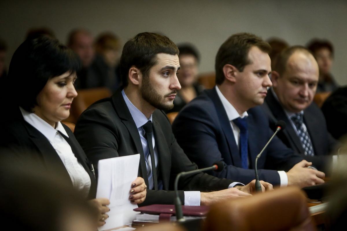 Еще больше стадионов: Анатолий Пустоваров намерен после больничного сразу же вернутся к исполнению обязанностей заммэра