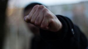 У Запоріжжі невідомі забили до смерті чоловіка: їх розшукує поліція, — ВІДЕО