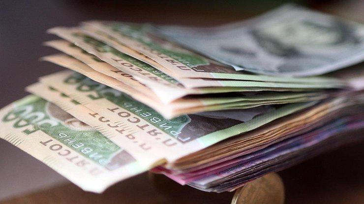 Запорожцам задолжали 112 миллионов гривен заработной платы