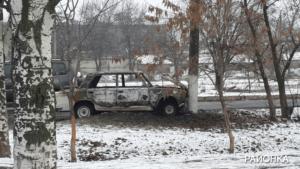 В Запорожской области легковушка врезалась в столб и загорелась - ФОТО