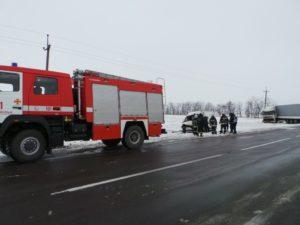 В Запорожской области на трассе фура протаранила микроавтобус: есть пострадавший - ФОТО