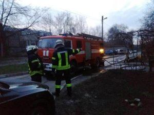 В Запорожье в трехкомнатной квартире произошел пожар: есть погибший - ФОТО