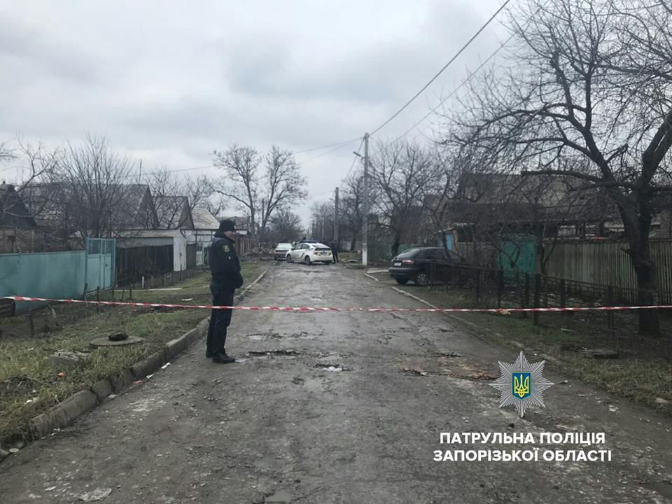 В Запорожье выпивший мужчина угрожал взорвать гранату - ФОТО