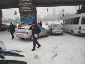 За сутки непогоды в Запорожьеслучилось 35 ДТП: четыре аварии с пострадавшими - ФОТО