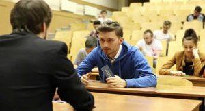 Завкафедрой ЗНТУ требовал от студента 8 тысяч гривен взятки