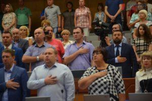 Оставил «с носом»: запорожский политик выделил деньги из депутатского фонда не нуждающимся жителям, а жене своего коллеги