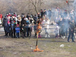 Запорожцы с размахом отпраздновали Масленицу на Хортице - ФОТО, ВИДЕО