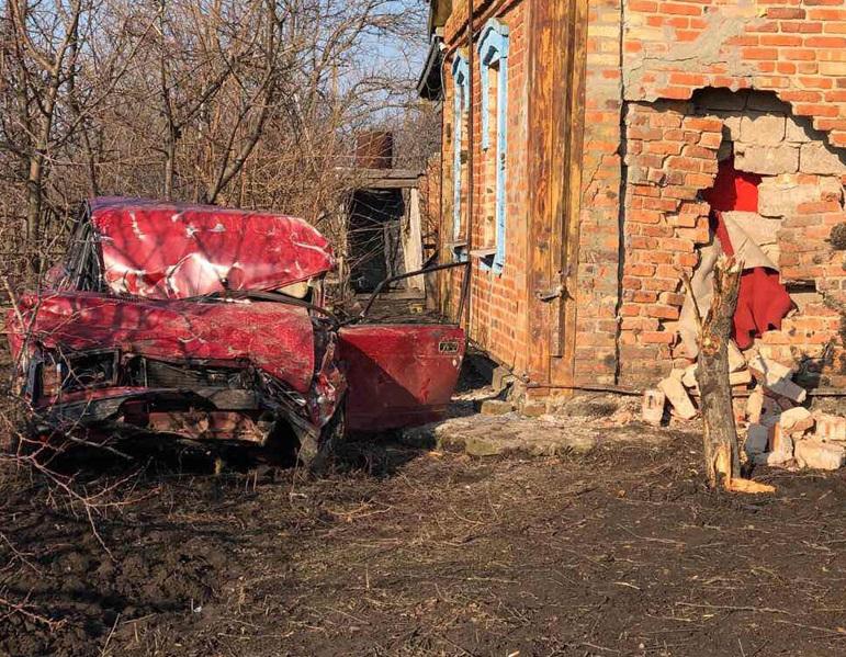 Появились фото с места смертельного ДТП в Запорожской области - ФОТО