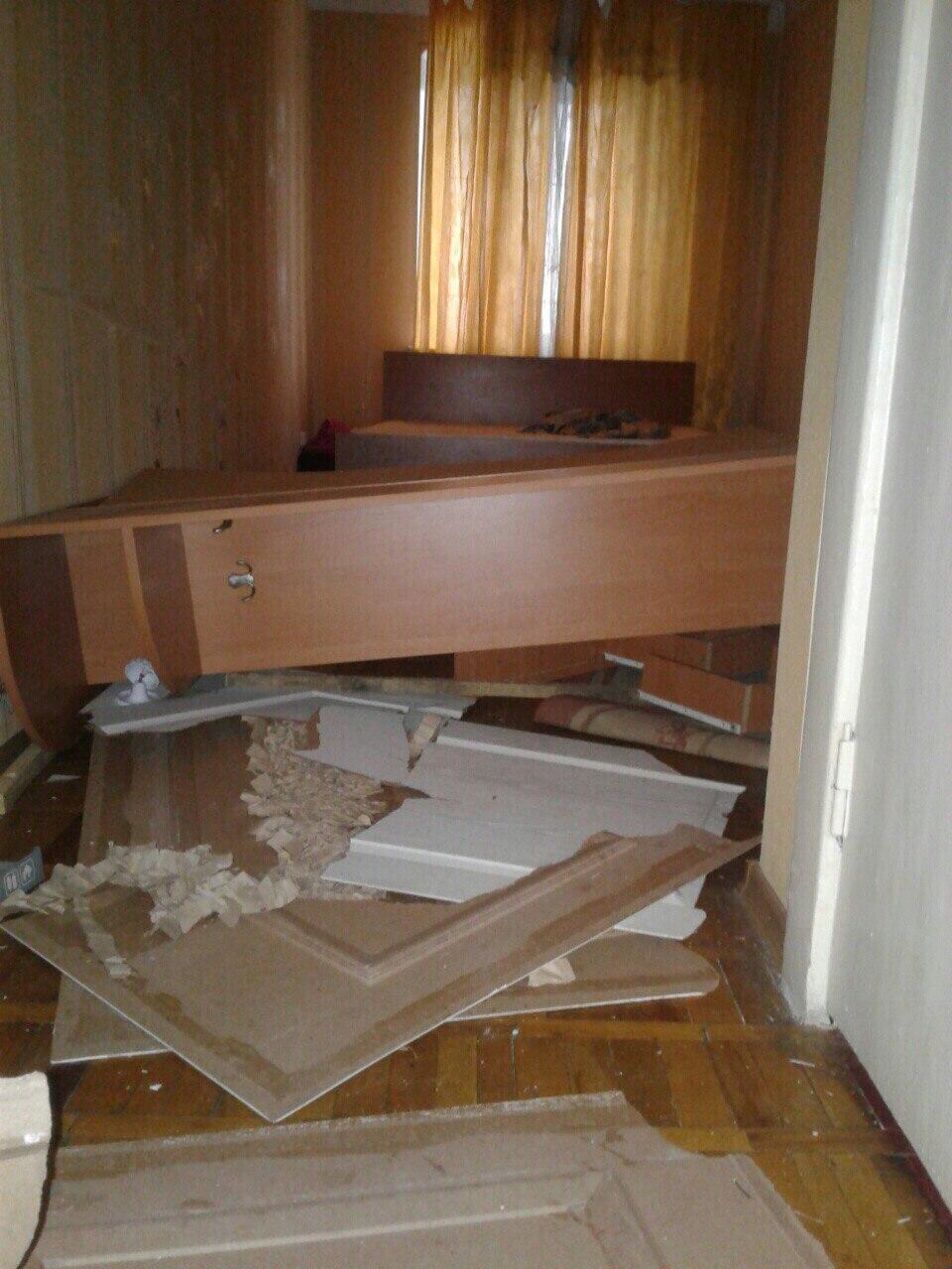 В Запорожье молодые люди устроили погром в арендованной квартире и похвастались «результатом» в соцсети – ФОТО, ВИДЕО