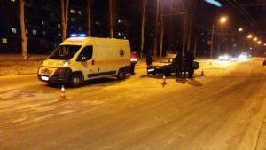 В Запорожье пьяный водитель врезался в автомобиль «скорой помощи» - ФОТО