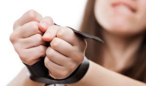 Студенты ВУЗа вербовали девушек в сексуальное рабство: среди пострадавших запорожанка - ФОТО, ВИДЕО