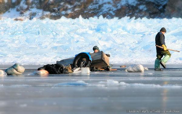 В Запорожье спасатели просят жителей уберечь себя и не выходить на зимнюю рыбалку