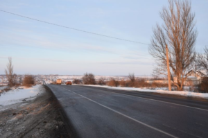 Запорожские дорожники приступили к аварийному ямочному ремонту