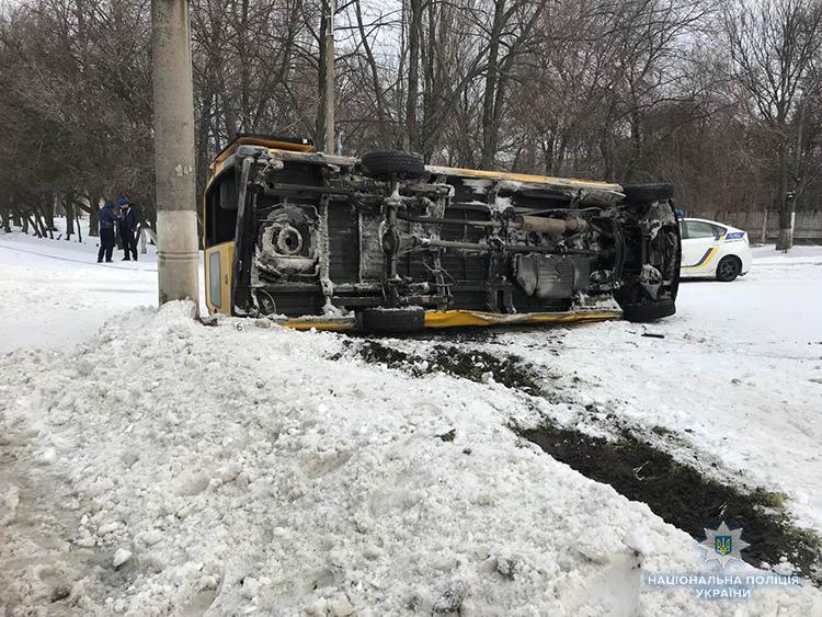 Полиция открыла уголовное производство из-за вчерашнего ДТП с маршруткой в Запорожье - ФОТО
