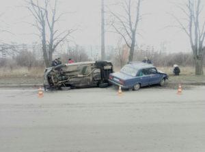 В Шевченковском районе Запорожья произошло серьезное ДТП: есть пострадавшая - ФОТО
