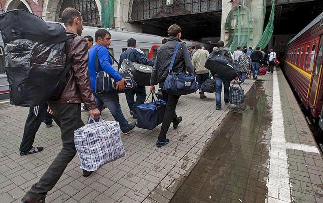 Без прав и гарантий соцзащиты: с какими проблемами сталкиваются украинские мигранты за границей