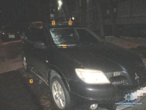В центре Запорожья во дворе многоэтажки прогремел взрыв - ФОТО, ВИДЕО