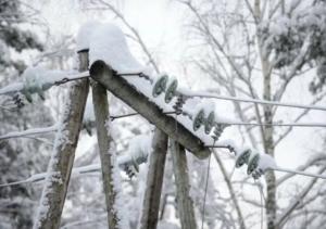 В Запорожской области из-за непогоды обесточенными остались 28 населенных пунктов