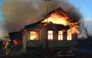 В Запорожской области из-за короткого замыкания сгорел жилой дом