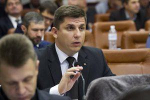 Депутат Запорожского горсовета в декларации указал, что прожил год благодаря финансовой помощи родителей