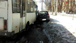В центре Запорожья произошло очередное ДТП с маршруткой: есть пострадавшие - ФОТО