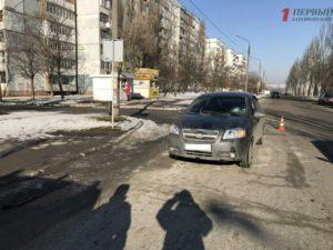 В Запорожье на пешеходном переходе сбили учительницу – ФОТО