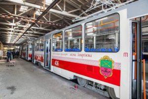 Завтра в Запорожье на линию выйдут два отремонтированных трамвая - ФОТО