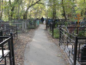 В области задержали вандала, орудовавшего на кладбище - ФОТО