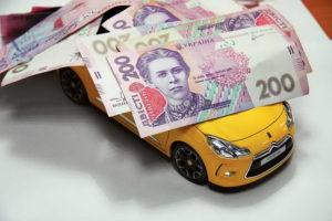 Запорожские владельцы элитных машин заплатили 1,4 миллиона гривен налога