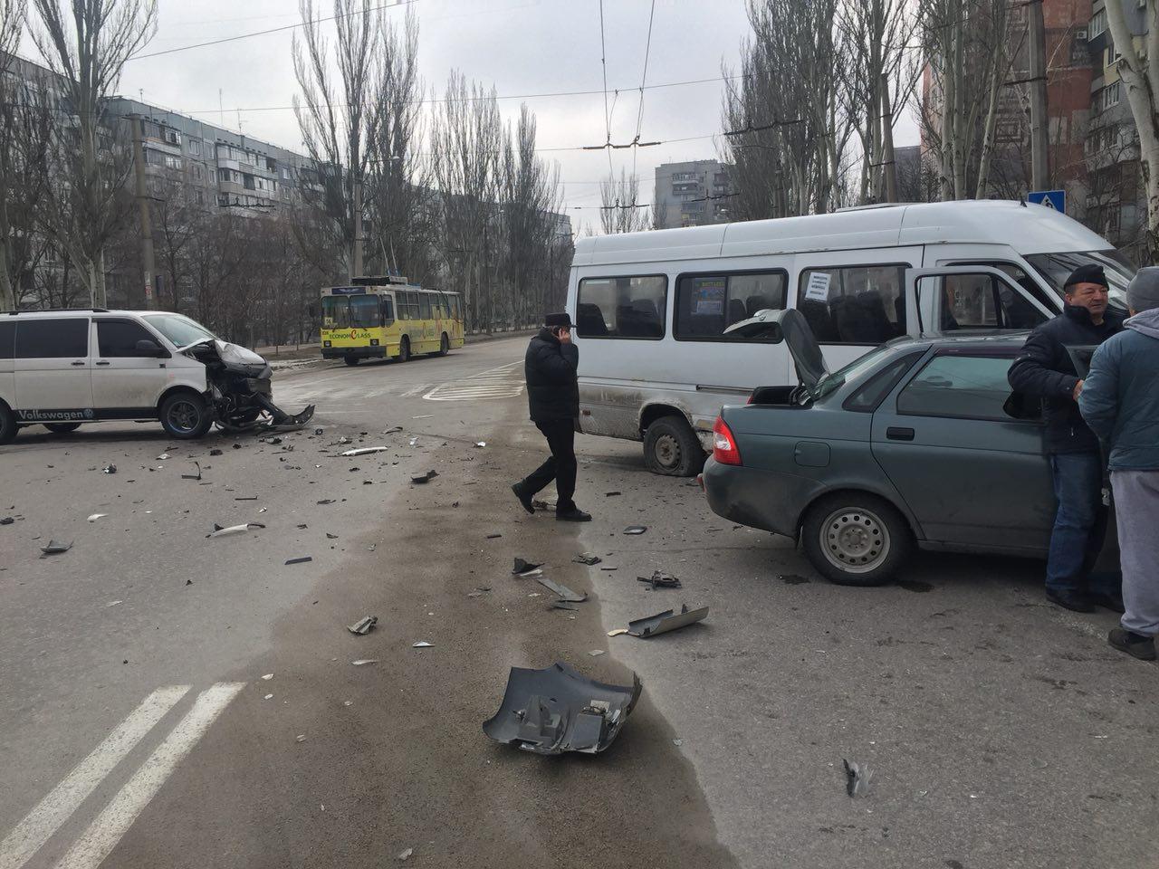 В патрульной полиции Запорожья рассказали, что в тройном ДТП пострадала пятилетняя девочка – ФОТО