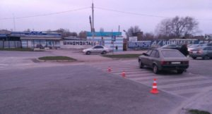 В Запорожье возле «Дубовки» на «зебре» сбили пешехода
