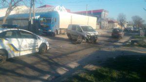 В Запорожье водитель бросил авто и сбежал с места ДТП - ФОТО