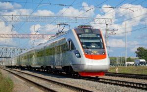 Следовавший в Запорожье поезд