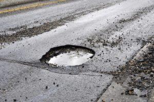 На запорожской трассе у маршрутки с пассажирами на ходу отвалилось колесо