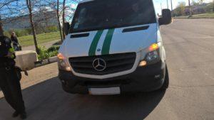 В Запорожье инкассаторская машина сбила женщину - ФОТО