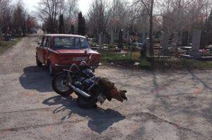 В Запорожской области произошло ДТП на территории кладбища: есть пострадавшие – ФОТО