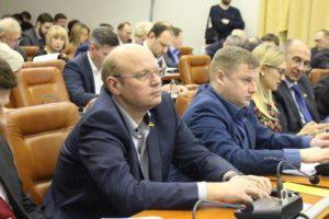 Депутат-«укроповец» задекларировал доход в 750 тысяч гривен и купленный женой Citroen