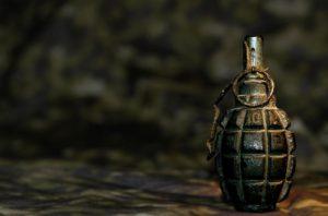 В Запорожской области около трассы обнаружили тайник с гранатами - ФОТО